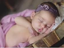 újszülött babafotózás